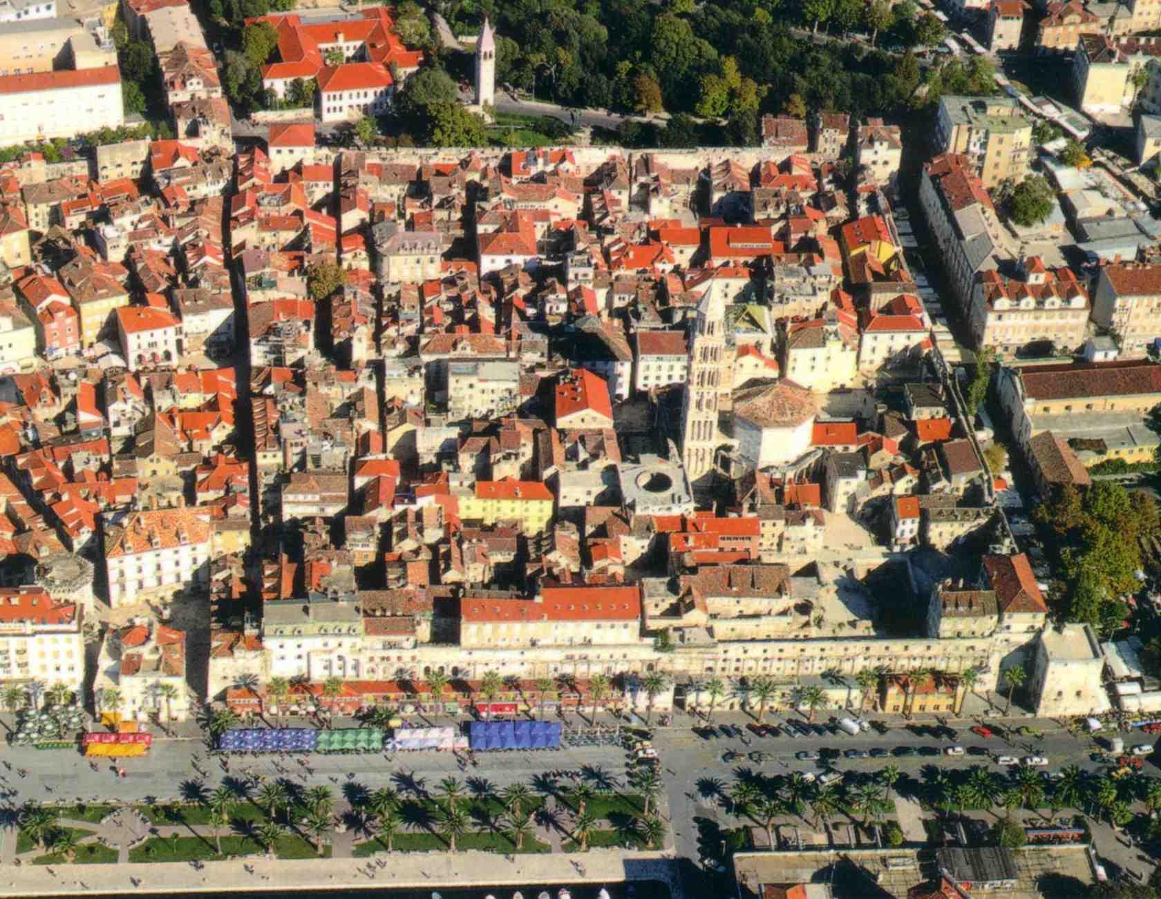 http://inavukic.files.wordpress.com/2012/04/split-diocletians_palace_air.jpg
