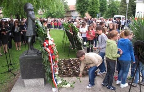 Croatia Slavonski Brod May 2013 Children remember the children  Photo: soundset.hr