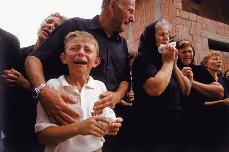 Croatia Vukovar 1991 - at burial of murdered father Photo: Ron Haviv