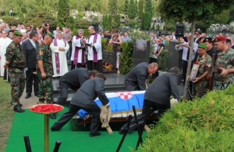 Zvonko Busic laid to eternal rest at Mirogoj, Zagreb, Croatia 4 September 2013  Photo: Dnevno,hr