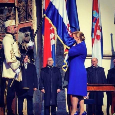 Kolinda Grabar Kitarovic kissing flag