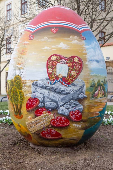Croatia 2015 Easter big eggs detail