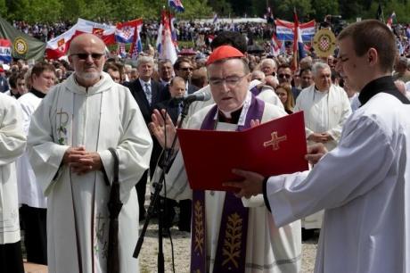 Centre: Cardinal JOsip Bozanic at Bleiburg 16 May 2015 Photo: Zarko Basic/Pixsell