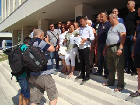 Members of Croatian  Association Of The Inmates  Of Serb Concentration Camps  In The Split-Dalmatia County File Motion For Damages and Serbia's Accountability Photo: Sime Duvancic