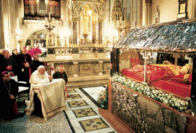 Pope John Paul II Praying at the body of Blessed Alojzije Stepinac in Zagreb Croatia