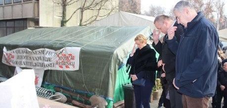 From right: Retired General Zeljko Glasnovic and Retired Colonel Mijo Crnoja In front of veterans' protest tent Zagreb Croatia Photo: hdz.hr