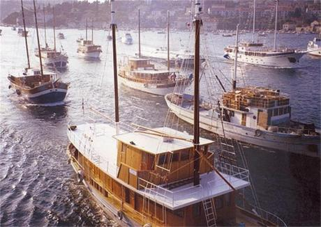 """Convoy """"Libertas"""" with humanitarian aid arrived in port of Dubrovnik 31st October 1991 returning hope for peace and the removal of the blockade by Serb aggressor to the exhausted, tortured and hungry people of Dubrovnik under enemy siege Photo: portaloko.hr"""