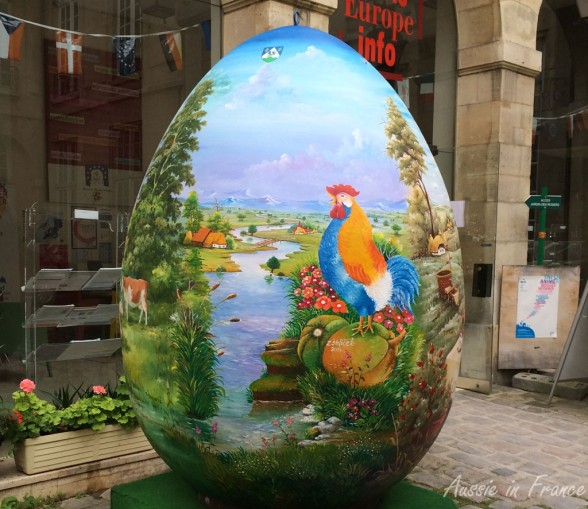 Giant Croatian Easter Egg at the Maison de l'Europe in rue des Francs Bourgeois (2014)