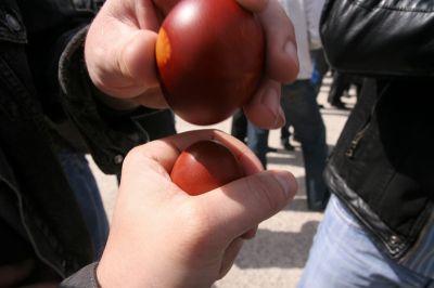 tapping Easter eggs Croatia