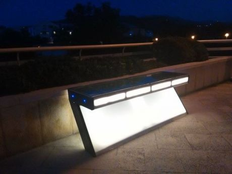 Steora Smart Bench in Solin Croatia at night Photo: index.hr/private archive