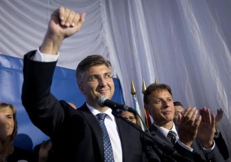 From left: Andrej Plenkovic, Prime Minister designate Gordan Jandrokovic, Secretary HDZ Photo:Darko Bandic/AP